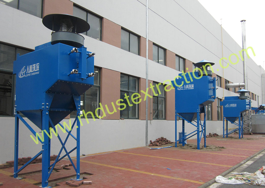 Blasting dust collector