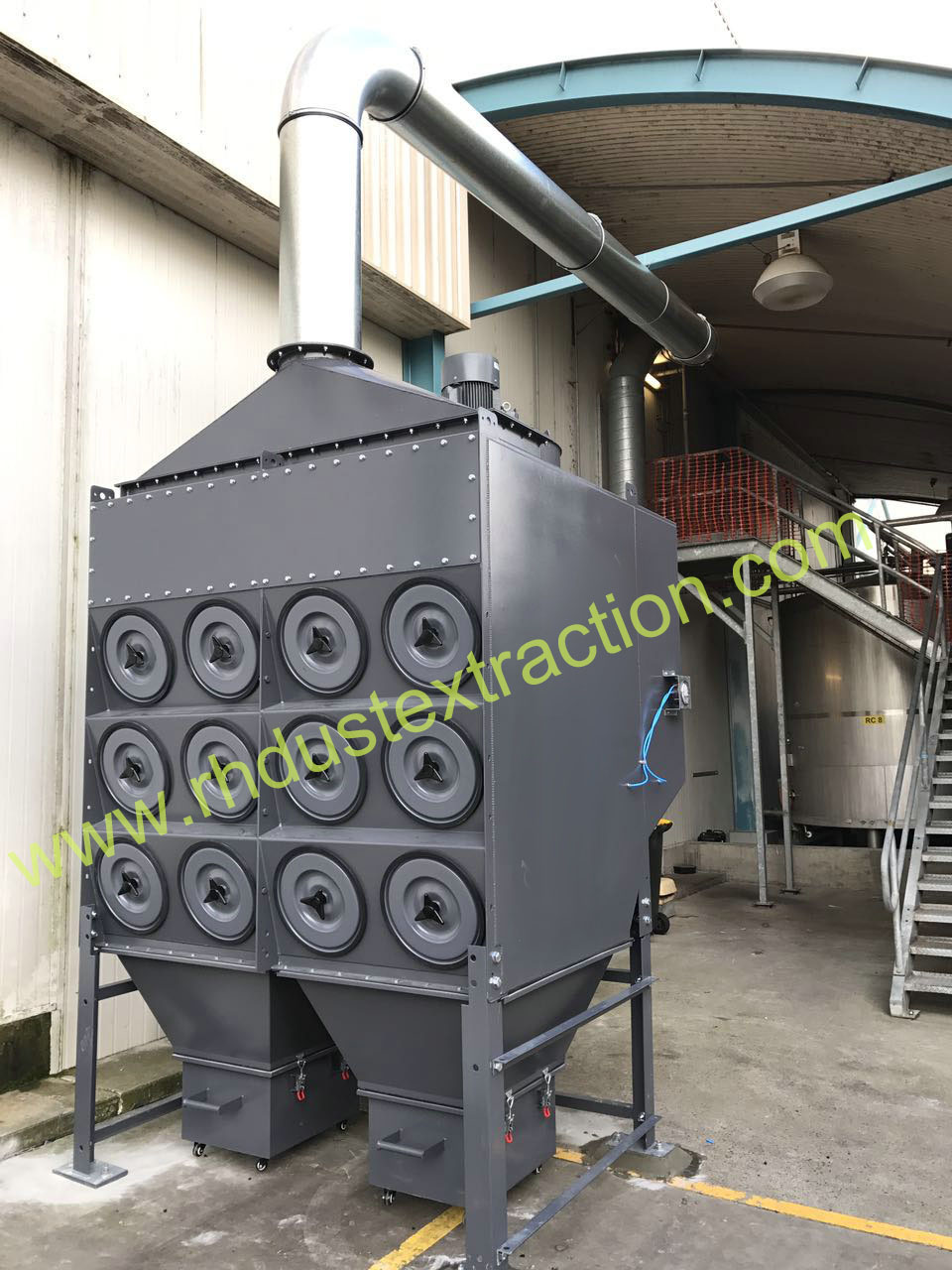 Downflow dust collector 3-24 for food industry